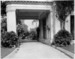 Porte cochère of the Huntington residence, circa 1920.