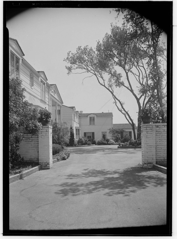 Boddy, E. Manchester (Elias Manchester), residence. Exterior ...